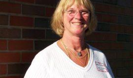 Linda Erickson, granddaughter of inductee Swat Erickson.