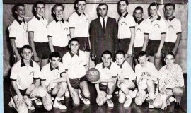 Washington Jr. High - 8th grade - Dick Cole left of Coach Tane.