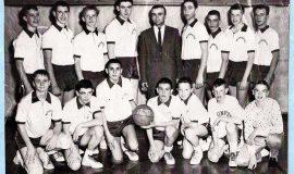 Washington Jr. High - 8th grade - Dick Cole left of Coach Tane.