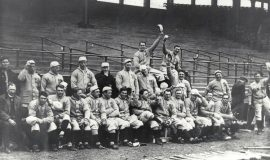 Champion_Red_Sox_@_Fenway_Park_1912