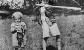 Irv Noren (age 3) on left with brother Everett in Jamestown, 1927.