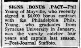 Signs Bonus Pact. September 26, 1955.