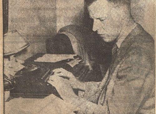 Mark Hammond at a typewriter.